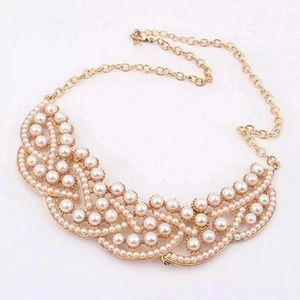 Jewelry - Brand new faux pearl statement necklace